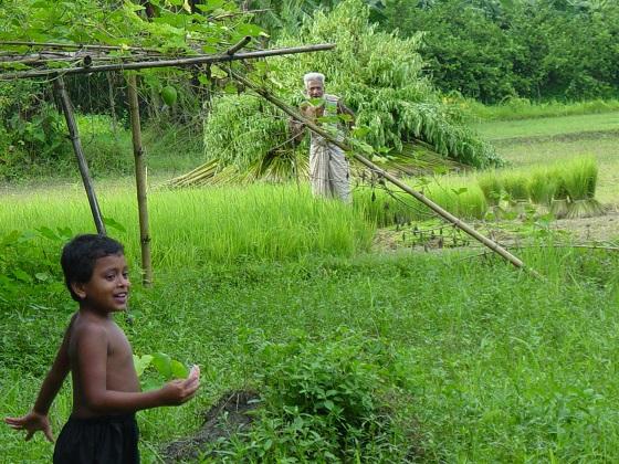 Diverses-cultures-et-generations-au-Bangladesh